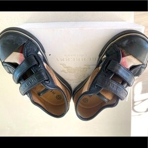 Burberry sneaker for kids